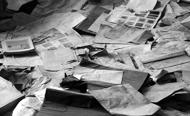 paper-pile-298759_640